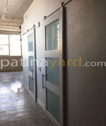 Painted shaker barn doors with satin glass